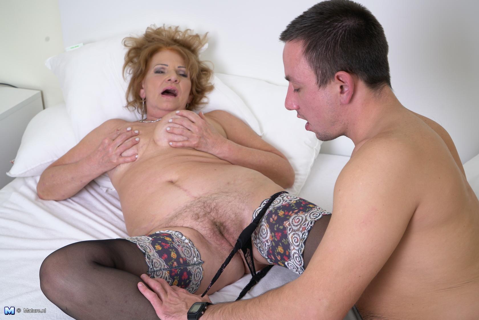 Bbw mature housewife porn videos