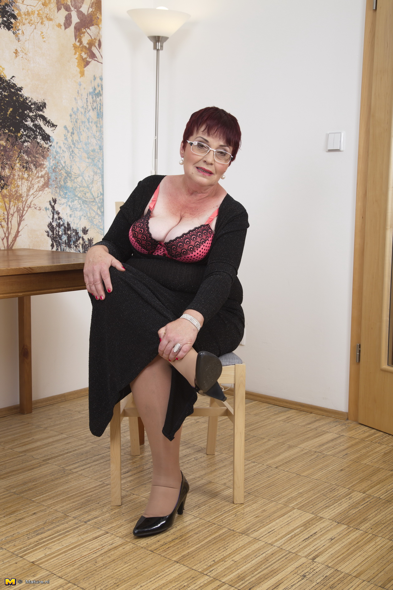 Mature Chubby Hairy Pussy -