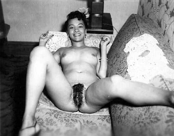 Vintage girls showing pussy pic 915