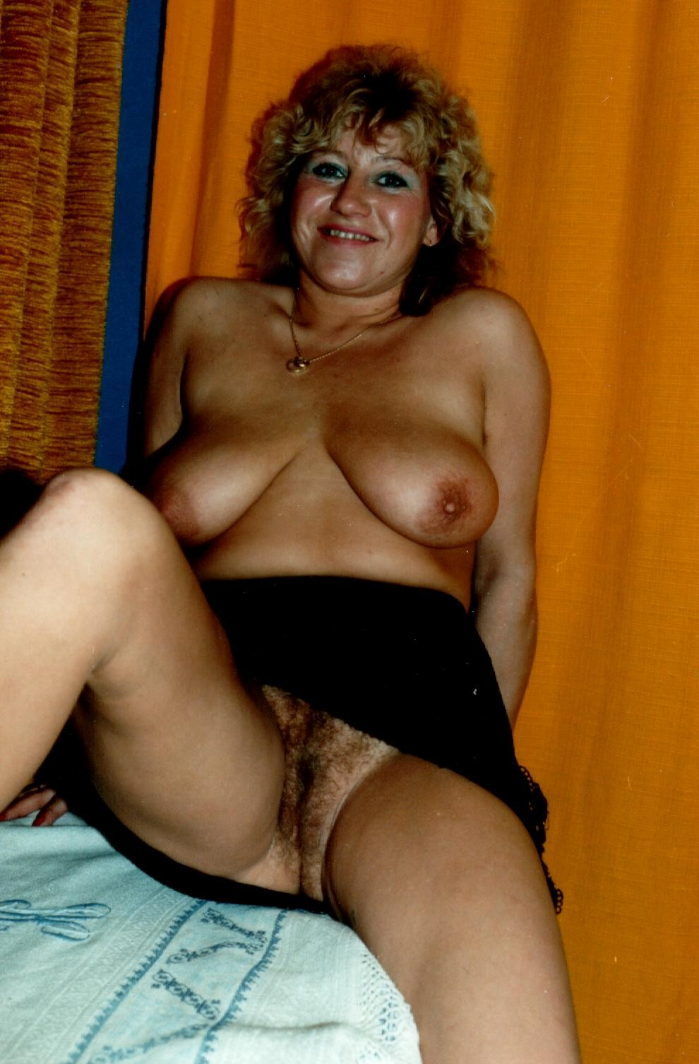 Mature Brunette Hairy Creampie