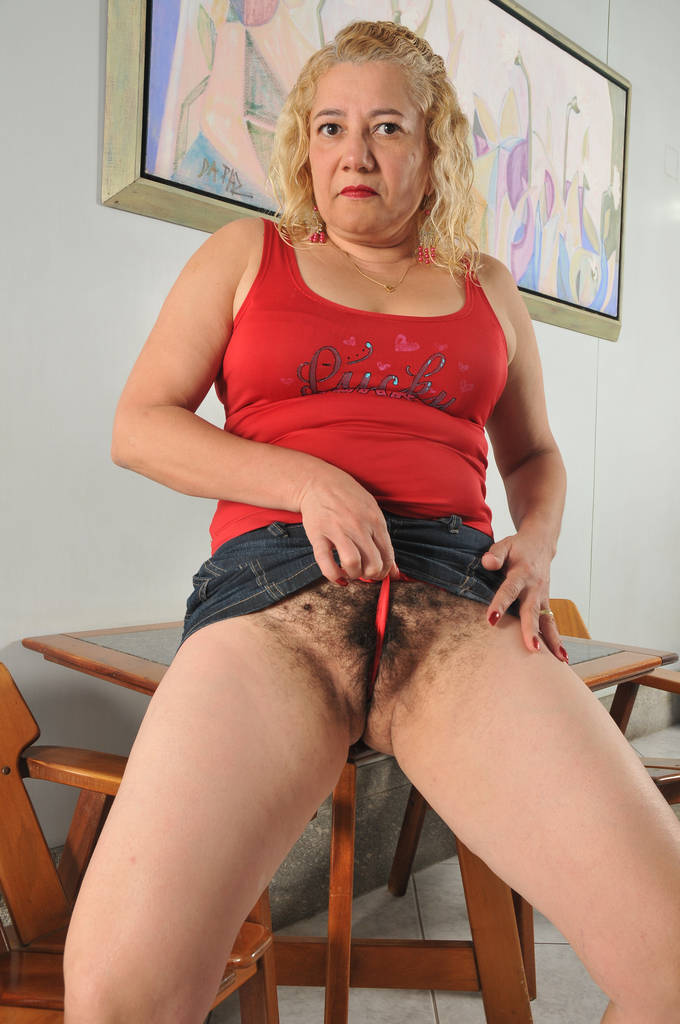 Amateur mature mom spread