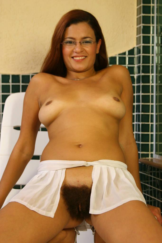 Nude hooter girl hot